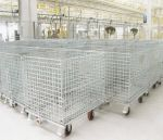 Stackable_wire_mesh_container_with_castors.jpg